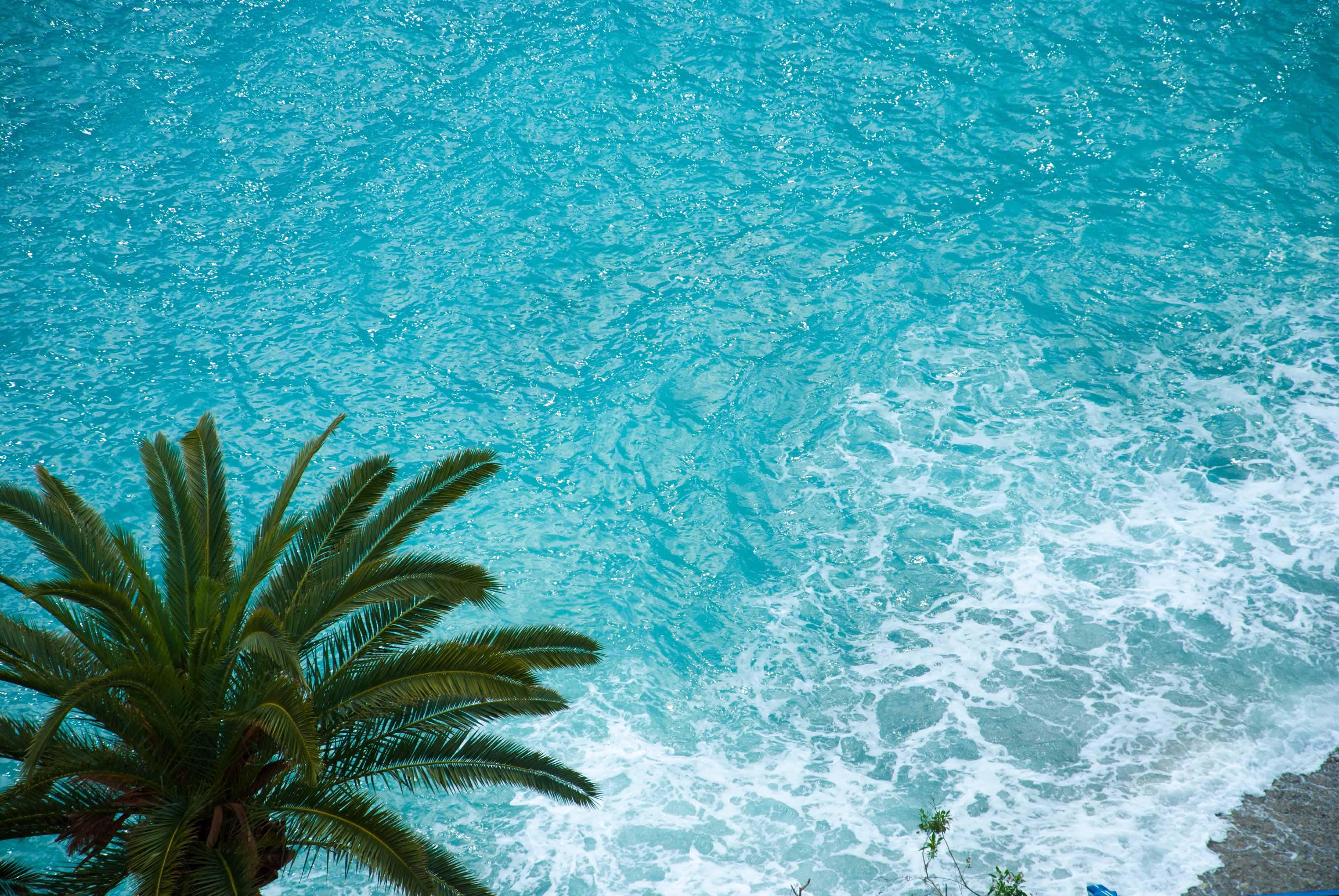 34 vue plongeante sur la mer, des remparts du château-2
