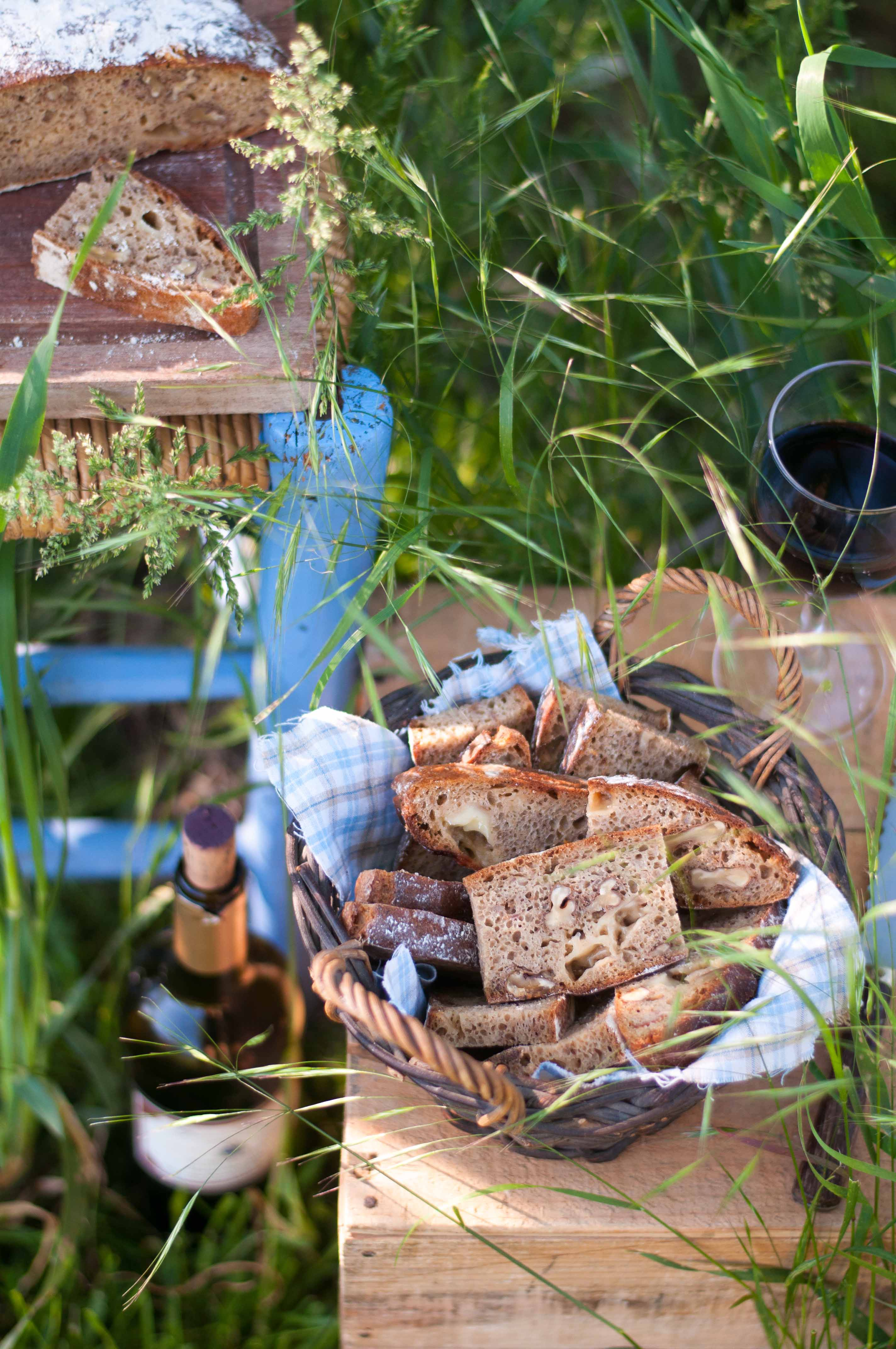 Pain campagnard au seigle, noix et cantal