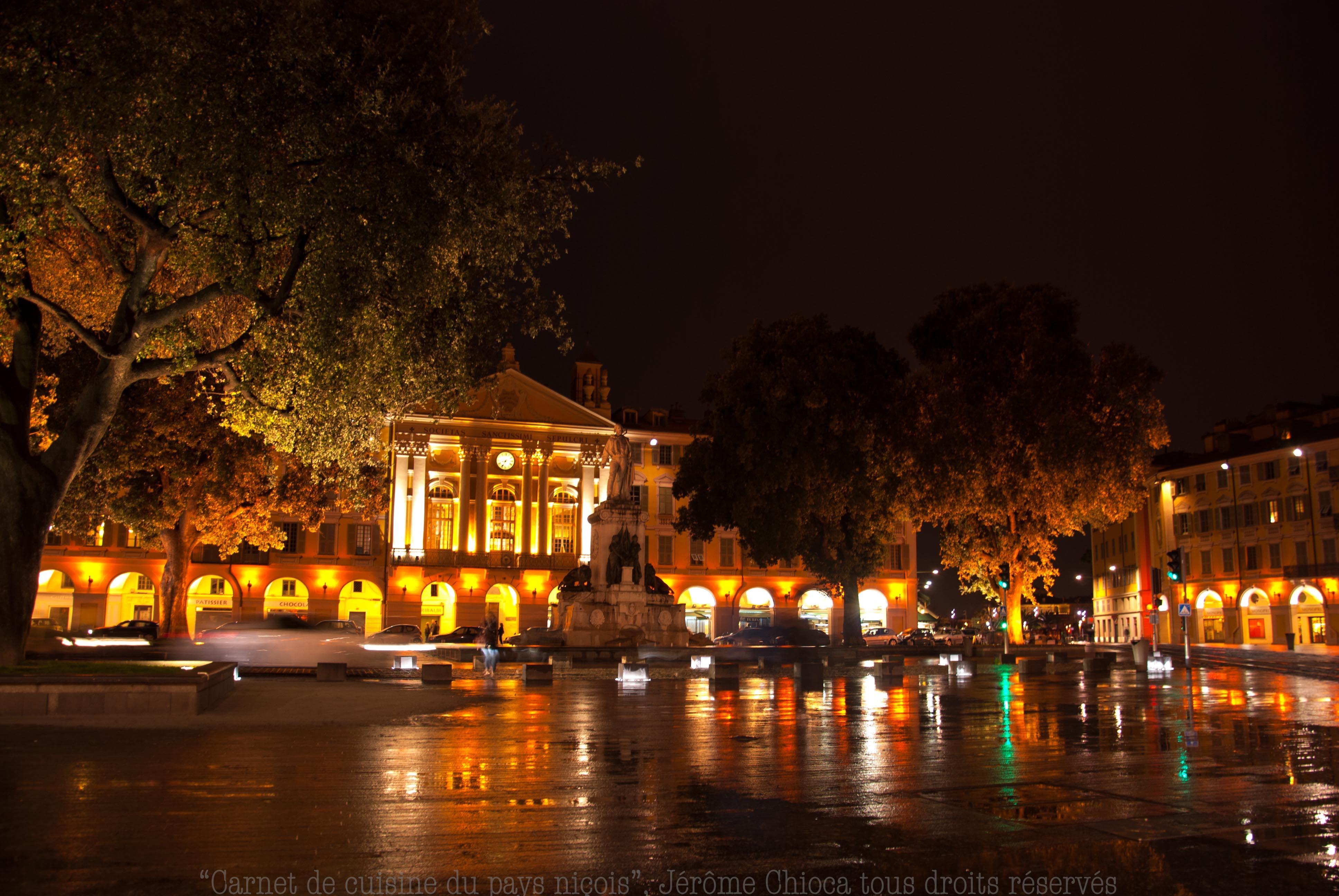 9 la place Garibaldi, by night et sous la pluie 1-2